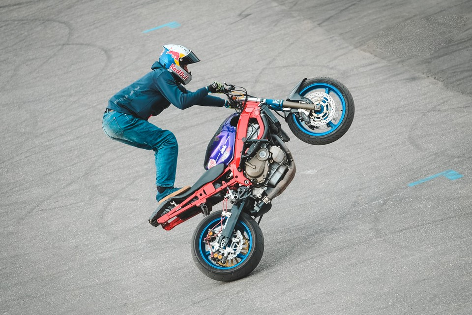 http://www.lowride.it/public/news/01_Motor_Bike_Expo_2020_Red_Bull