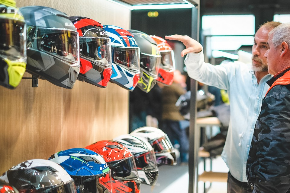 http://www.lowride.it/public/news/17_Motor_Bike_Expo_2020_LS2_Helmets.jpg